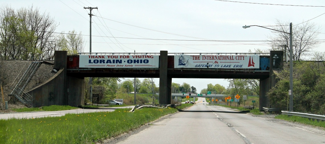 overpass banners
