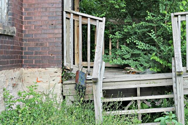1819 E 29th front porch