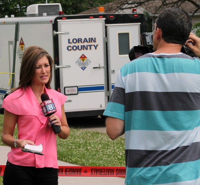 Fox8 Elisa Amigo noon news