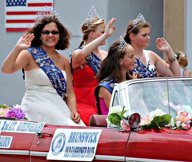 International Parade brunswick old fashioned days