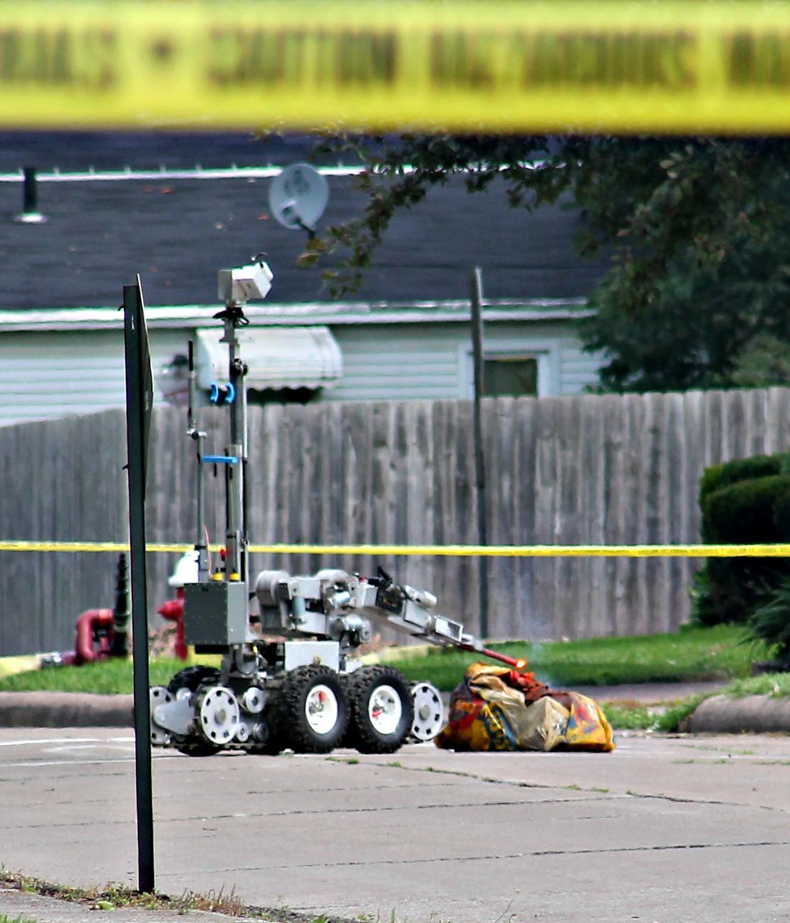 robot flares dynamite