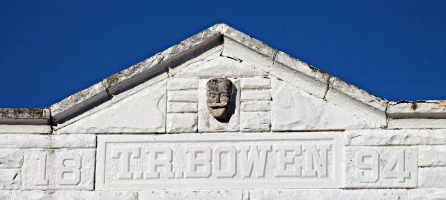 TR Bowen building 1894 clothing shop