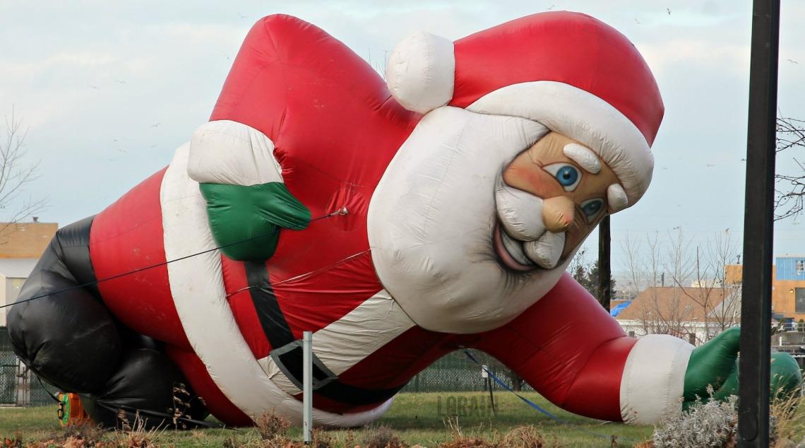 code 12-25 Santa down wm