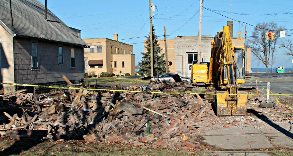 corner Kansas East Erie looking N-001