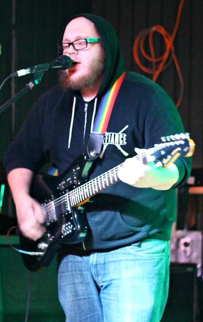 Mutt Jeffs local bands food drive show 111514-002