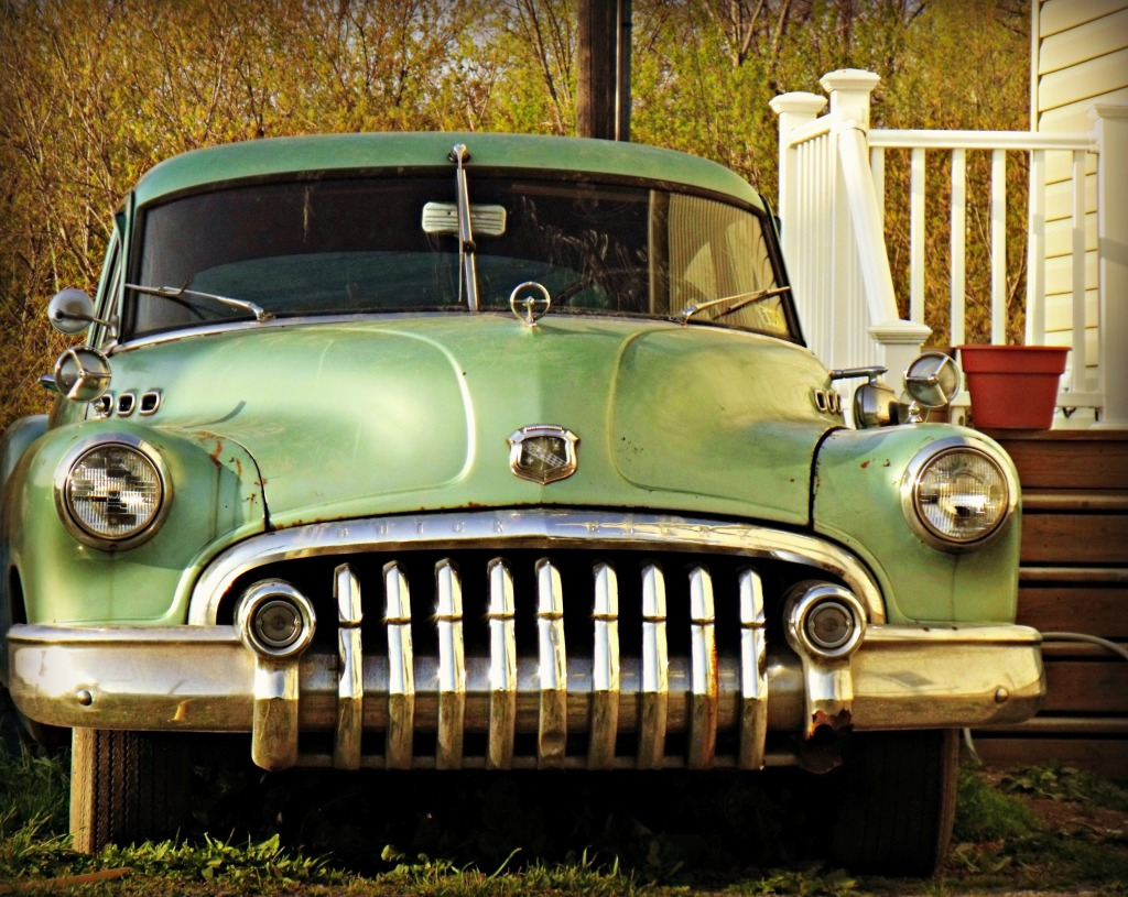 040312 old 1948 or 1949 Buick Roadmaster-1