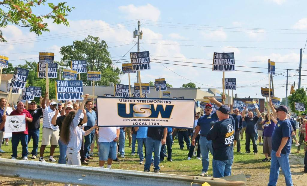 John T Gallo Steelworkers rally 082815 01
