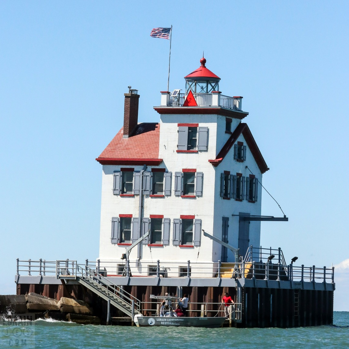 lorain-lighthouse-090316