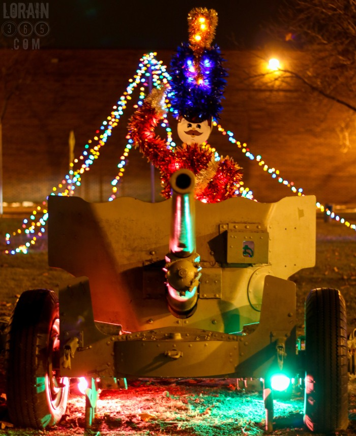 christmas-cannon