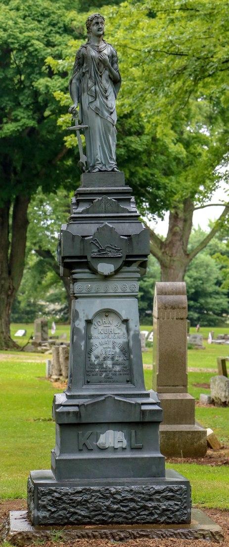 Kuhl grave 072018
