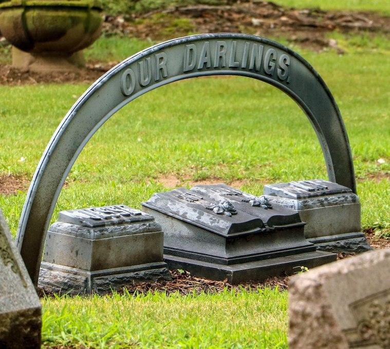 Wilberchildren grave 072018